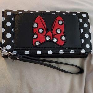 Minnie Mouse Bow Wristlet Wallet